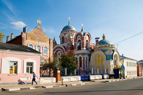 "Elec se naziva ""gradom sa trideset tri crkve"". Izvor: Lori / Legion Media"