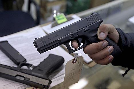 """Na kupnju pištolja """"Glock"""" vojska RF planirala je utrošiti ukupno oko 71 milijun rubalja (1,63 milijuna eura). Izvor: Reuters"""