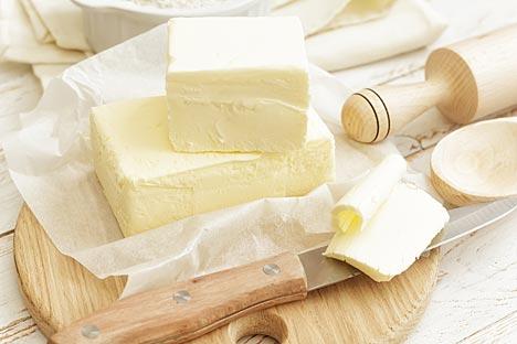 Vologodski maslac proizvodi se od vrhnja koje se termički obrađuje na poseban način, što maslacu daje profinjeni okus oraha. Izvor: Shutterstock