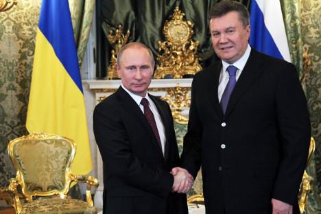 O uspjehu Putinovih napora može svjedočiti i činjenica da su nakon posjete predsjednika Janukoviča Rusiji prosvjedi u Ukrajini počeli jenjavati. Izvor: Rossijskaja gazeta
