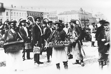 Ruska tržnica 1913. godine. Izvor: ITAR-TASS