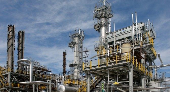 Oprezni odnos ruskih kompanija prema dionicama gospodin Galbum povezuje sa činjenicom da će se u razvoj kompanije morati još puno investirati, budući da je njezina rafinerija u lošem stanju. Postrojenje Claus, RN Sisak. Izvor: F. Buva / Ina.hr