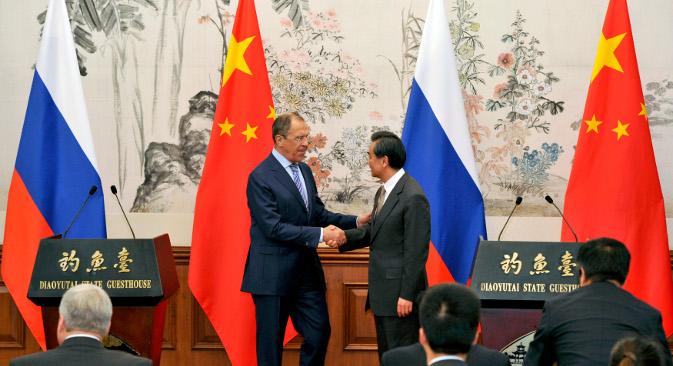 Ruski ministar vanjskih poslova Sergej Lavrov i njegov kineski kolega Wang Yi sastali su se 15. travnja. Izvor: Reuters