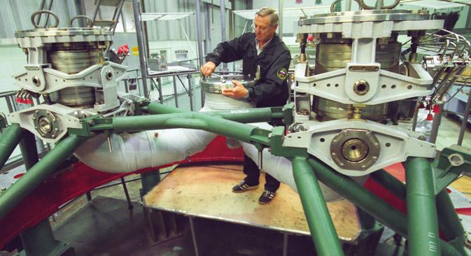 Nadzvučni nabojnomlazni (Ramjet) motor na izložbi MAX 2009. Fotografija iz slobodnih izvora.