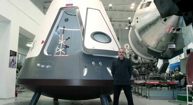 U Rusiji je Vladimir Pirožkov razradio stil i boju putničkog zrakoplova Suhoj Superjet-100 te dizajn interijera novog svemirskog broda Rusj. Izvor: PressPhoto