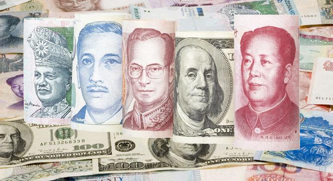Prema riječima ruskih stručnjaka, hoće li pretvaranje novca u azijske valute postati sveobuhvatna tendencija, ovisi o tome koliko je daleko Zapad spreman ići u uvođenju sankcija ruskoj privredi. Izvor: Shutterstock / Legion-Media