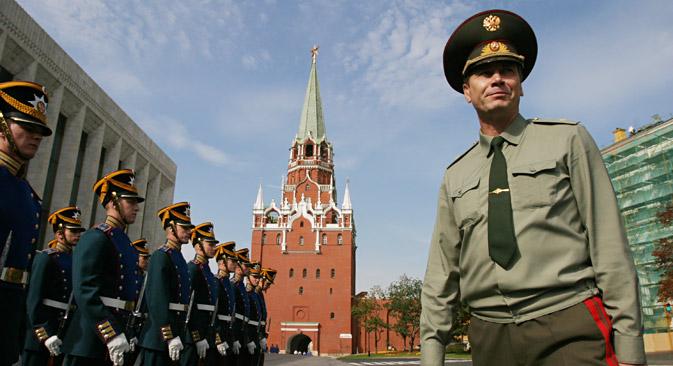 Sergej Hlebnikov, zapovjednik Moskovskog Kremlja, izjavio je za Rossijsku gazetu da će se sljedećih godina drevna tvrđava pretvoriti iz citadele ruske vlasti u muzej pod otvorenim nebom. Izvor: Viktor Vasenin/RG