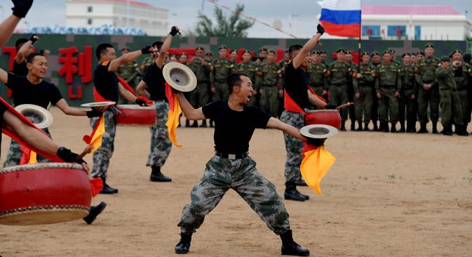 Zahvaljujući suradnji s Kinom, Rusija će moći vjerojatno značajno smanjiti ekonomske gubitke zbog novog hladnog rata sa Zapadom. Ali to je u daljoj budućnosti može koštati uloge samostalnog igrača u svjetskoj politici. Izvor: AFP / East News