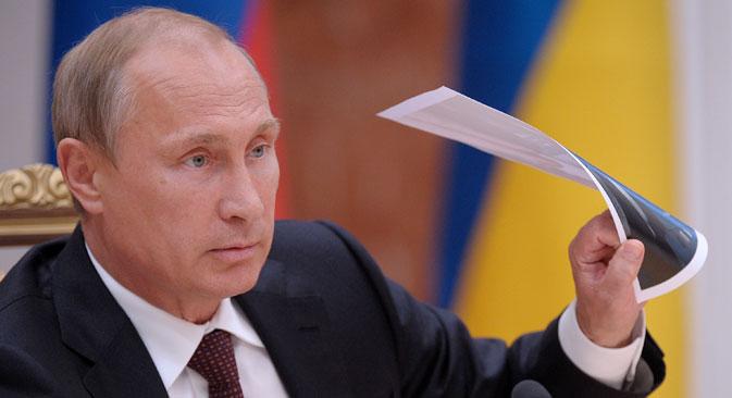 Kako je istaknuo predsjednik, ''potrebno je organizirati razmjenu nasilno zadržanih osoba po principu ''svi za sve'' bez bilo kakvih preliminarnih uvjeta'' i ''otvoriti humanitarne koridore za prebacivanje izbjeglica i isporuku humanitarne robe na istok Ukrajine''. Izvor: Itar-Tass