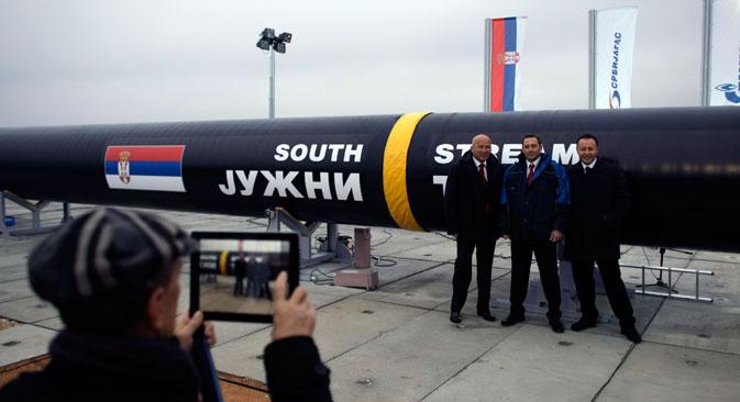 Kako je postalo poznato tijekom posjeta ruskog predsjednika Vladimira Putina Srbiji 16. listopada, u ovoj zemlji je u okviru projekta Južni tok u tijeku projektiranje trase plinovoda i već vrlo brzo mogli bi početi prvi građevinski radovi. Izvor: AP