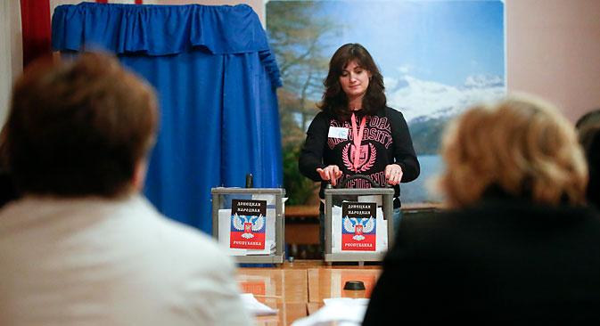 Aktualni čelnici DNR-a i LNR-a, Aleksandar Zaharčenko i Igor Plotnicki, ostali su na svojim funkcijama nakon nedjeljnih izbora. Izvor: Reuters