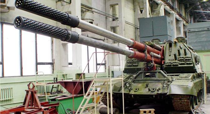 """Sustav """"Koalicija-SV"""" sposoban je u režimu brze vatre uništavati objekte na zemlji na udaljenosti do 70 km. Izvor: bastion-karpenko.ru"""
