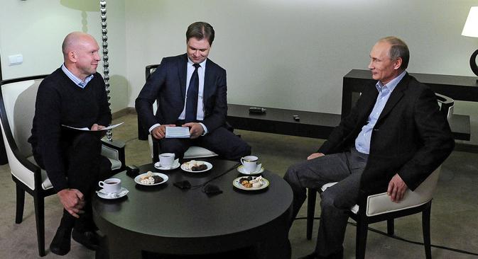 Vladimir Putin s novinarima TASS-a u Vladivostoku (ruski Daleki Istok). Izvor: RIA Novosti