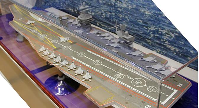 Novi će nosač aviona, prema riječima stvaratelja koncepta, imati korpus posebne konstrukcije, koja smanjuje otpor vode za 20%. To će brodu osigurati veliku autonomiju i brzinu plovidbe. Izvor: Press Photo