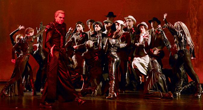 Scena iz mjuzikla Majstor i Margarita u kazalištu Ruska pjesma u Moskvi, u režiji Nadežde Babkine. Fotografija: Evgenija Novoženina / RIA Novosti.