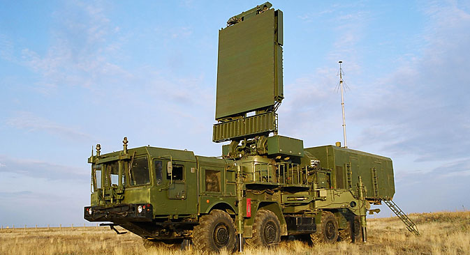 """Jedinice Zračno-svemirske obrane već posjeduju četiri radarska protuzračna kompleksa """"Svevisinski razotkrivač"""". Izvor: lemz.ru."""
