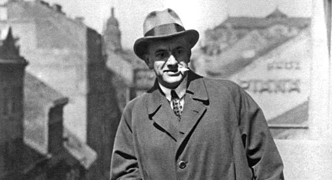 Vladimir Majakovski u Pragu 1927. godine.