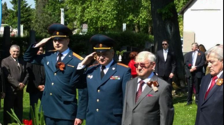 Veleposlanik Rusije u Hrvatskoj Anvar Azimov na polaganju vijenaca u Belom Manastiru.