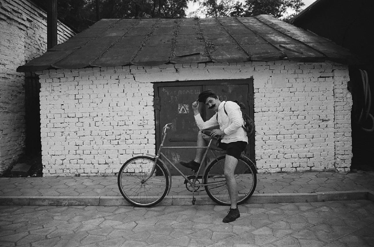 Dmitry Gavrilov na biciklu.