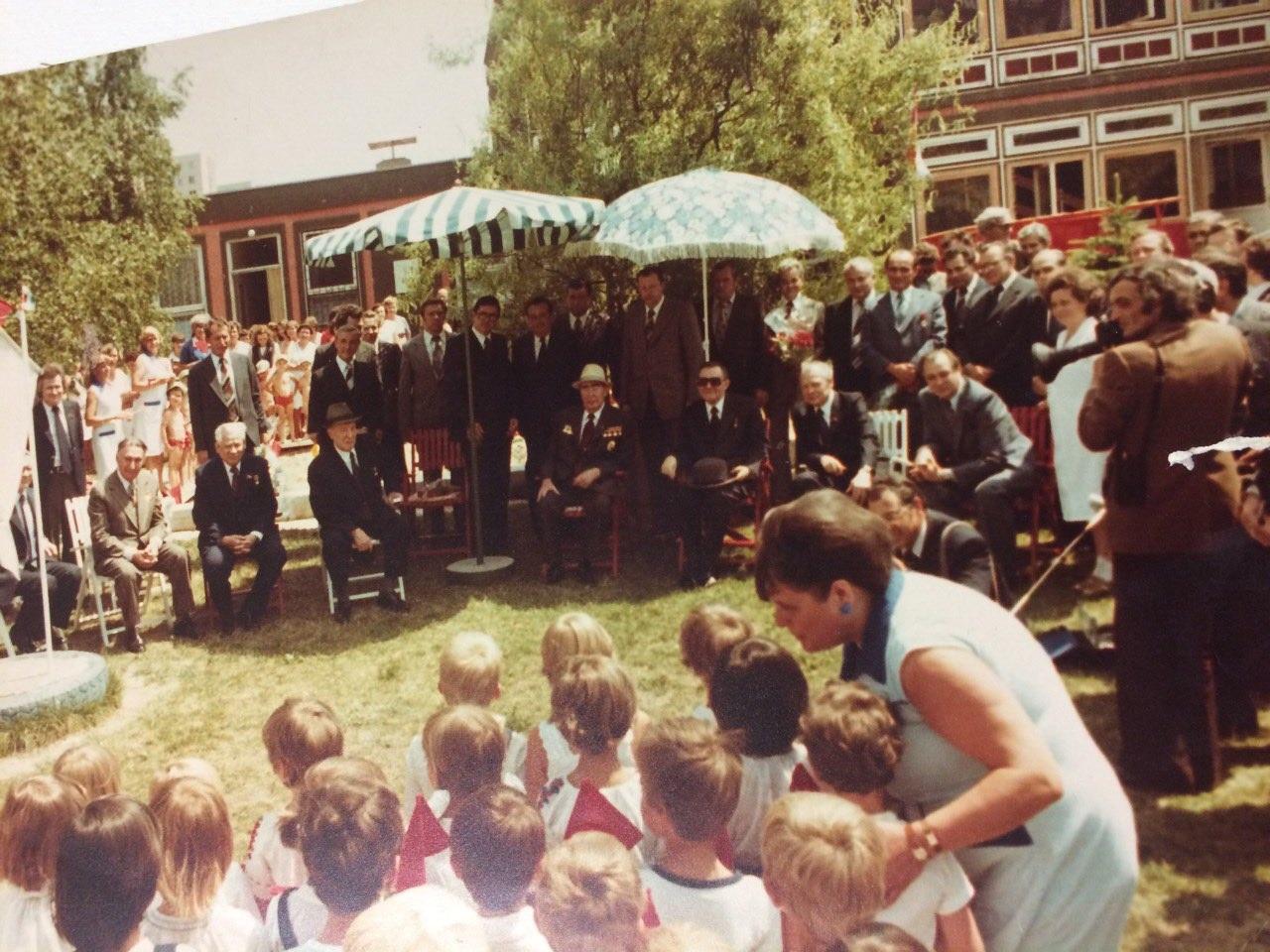 """Filmando Brejnev em um jardim de infância: """"Que crianças?"""" / Foto: arquivo pessoal"""