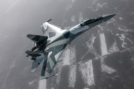 Angkatan Udara Rusia dijadwalkan menerima 48 pesawat Su-35S sebelum akhir 2015. Sumber: Sukhoi.org