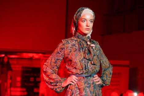Para desainer Rusia siap mendandani perempuan Muslim menurut prinsip-prinsip adibusana.