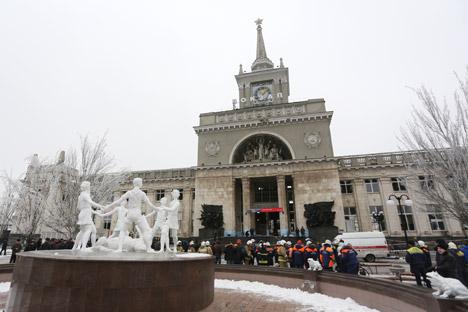 Ledakan mengguncang sebuah stasiun kereta api, Volograd-1, di pusat kota. Sumber: Kirall Braga / RIA Novosti