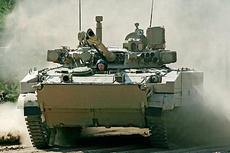 Korps marinir Indonesia telah menerima kendaraan tempur amphibi infanteri buatan Russia, BMP-3F, pada 27 Januari 2014. Kredit: ITAR TASS