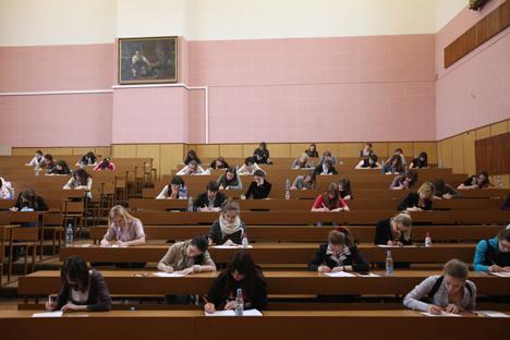 Sejak 2011 sistem pendidikan di Rusia berubah ke sistem pendidikan Bologna, sistem pendidikan yang umum digunakan di Eropa.