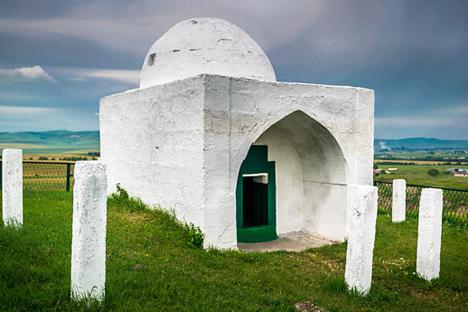Umat Islam telah hidup berdampingan dengan para pemeluk Ortodoks.