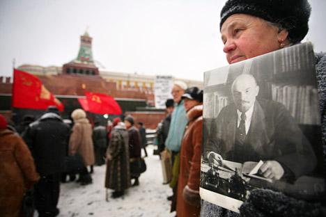 Sosok Lenin masih hidup dalam benak masyarakat Rusia hingga hari ini. Kredit: AFP/East News