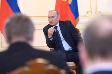 Putin: Belum terjadi satu pun pertempuran militer atau tembakan di Krimea. Semua yang kita lakukan adalah untuk memperkuat keamanan fasilitas Rusia. Kredit: Alexey Nikolsky/RIA Novosti