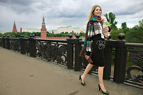 Perempuan Rusia selalu berpakaian seolah-olah mereka akan menonton teater atau ke restoran mewah. Kredit: Fotoimedia