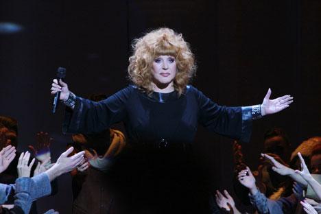 Alla Pugacheva adalah salah satu penyanyi favorit Rusia. Foto: RIA Novosti