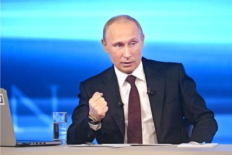 Presiden Rusia Vladimir Putin menjawab lebih dari 70 pertanyaan dalam acara yang berlangsung hampir selama empat jam. Foto: Reuters