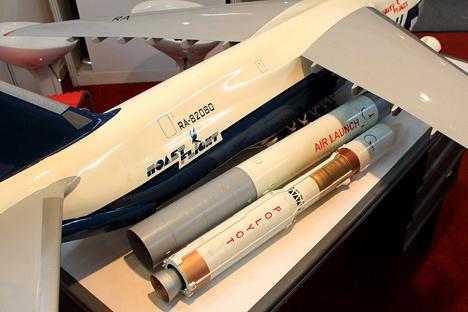Polet tidak diluncurkan dari permukaan bumi, melainkan dari ketinggian sepuluh kilometer di atas permukaan laut oleh pesawat terbang terbesar di dunia AN-124-100BC Ruslan. Foto: Mikhail Tsyganov