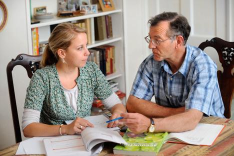 Rata-rata pelajaran bahasa Inggris pribadi dengan penutur asli membutuhkan biaya mulai dari seribu rubel (sekitar 30 dolar AS) per jam. Foto: Alamy/Legion Media.
