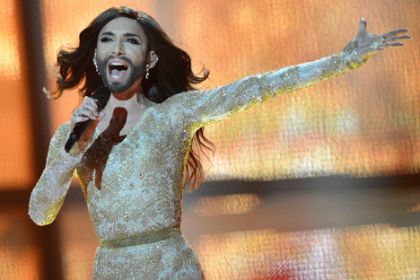 Juara Eurovision Conchita Wurst menarik banyak perhatian bukan hanya karena penampilannya, tetapi juga karena suaranya. Foto: Vladimir Astapkovitsch/RIA Novosti