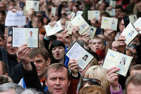 Moskow bertindak hati-hati terkait hasil referendum di tenggara Ukraina. Foto: Reuters