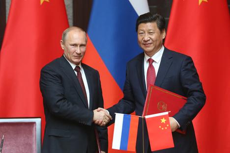 Kesepakatan kerja sama ekonomi antara kedua negara juga termasuk pembuatan pesawat terbang jarak jauh 'pesaing' Boeing dan Airbus. Foto: Konstantin Savraschin/Rossiyskaya Gazeta