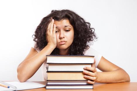 Ketakutan menjelang ujian dan nilai EGE yang rendah menjadi salah satu penyebab bunuh diri bagi pelajar di Rusia. Foto: flickr/CollegeDegrees360