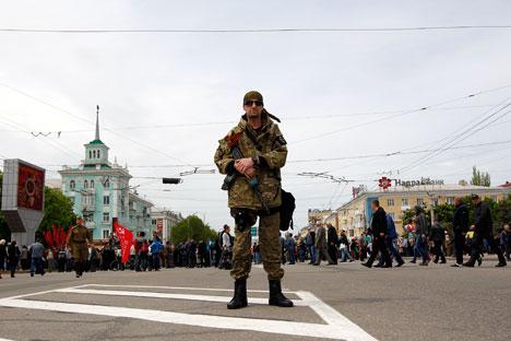 Para pakar menilai negosiasi tidak akan mengakhiri perang saudara, tapi ini merupakan langkah awal untuk mencapai perdamaian di Ukraina. Foto: Reuters