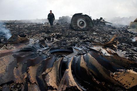 Peristiwa jatuhnya pesawat MH17 menimbulkan hari-hari kelam bagi politik luar negeri Rusia. Foto: Reuters