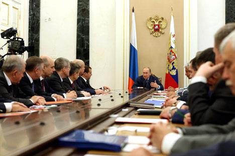 Putin harus bertindak sangat hati-hati untuk mengatasi tekanan eksternal agar tidak memprovokasi isolasi yang lebih serius dari Barat. Foto: ITAR-TASS