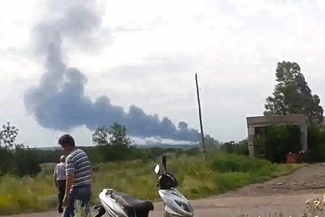 Pesawat Malaysia Airlines jatuh sekitar 80 kilometer dari Donetsk, dekat Desa Snezhnoe, Ukrainskaya Pravda. Foto: Sumber bebas