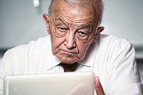 Internet bisa mengambil alih dan mengurus akun-akun jejaring sosial Anda setelah Anda meninggal. Foto: Alamy/Legion Media