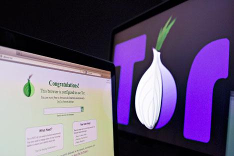 Tor adalah server proksi yang memberikan kerahasiaan akses internet dengan mengarahkan lalu lintas internet melalui volunteer network di seluruh dunia. Foto: Getty Images/Fotobank