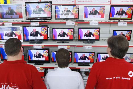 Mayoritas warga Rusia menjadikan televisi sebagai sumber utama informasi dan berita. Foto: RIA Novosti
