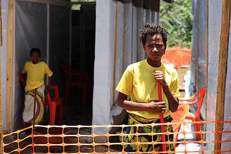 Hingga Senin (4/8), Ebola telah menjangkiti 1.800 orang dan menewaskan 889 korban jiwa. Foto: Reuters