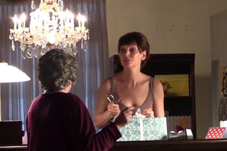 Uma Thurman menjadi pemeran utama dalam film pendek karya sutradara muda Rusia Ivan Petukhov. Foto: Press Photo